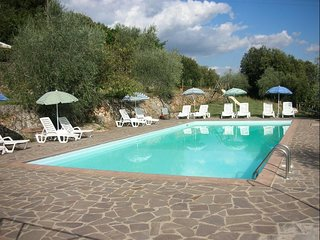 2 bedroom Apartment in Cetinale, Tuscany, Italy : ref 5504851