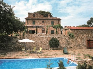 3 bedroom Villa in Pieve San Giovanni, Tuscany, Italy : ref 5490392
