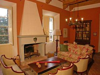 3 bedroom Apartment in San Gimignano, Tuscany, Italy : ref 5477354