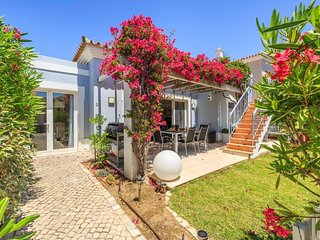 2 bedroom Villa in Quinta do Lago, Faro, Portugal : ref 5480322