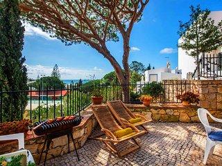 2 bedroom Villa in Vale do Lobo, Faro, Portugal : ref 5608571