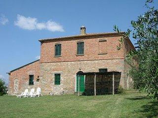 4 bedroom Apartment in Pozzo, Tuscany, Italy : ref 5490358