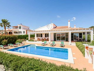 3 bedroom Villa with Air Con, WiFi and Walk to Beach & Shops - 5334221