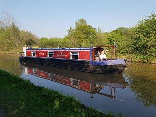 Narrowboat Gemini III - 45 ft Cruiser Stern - 4 Berth