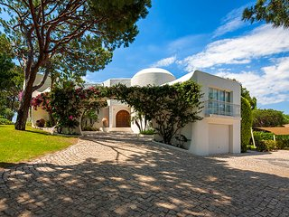 Quinta do Lago Villa Sleeps 8 with Pool Air Con and WiFi - 5480185
