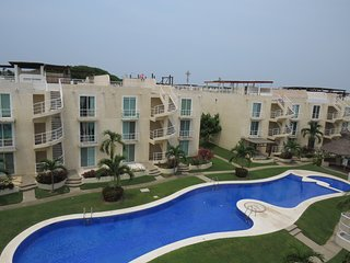 Outstanding apartment/roof garden in Marina Diamante gated community