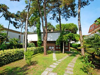 3 bedroom Villa in Lignano Sabbiadoro, Friuli Venezia Giulia, Italy : ref 547774