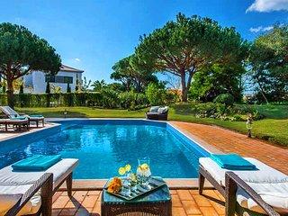 Quinta do Lago Villa Sleeps 8 with Pool Air Con and WiFi - 5479975