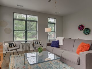 Dormigo Trendy One Bedroom Apartment In Germantown