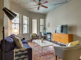 Dormigo Two Bedroom Apartment in the Heart of Midtown