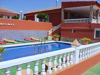 'Villa Campomar' MONTAÑA Y PLAYA cerca de Alicante