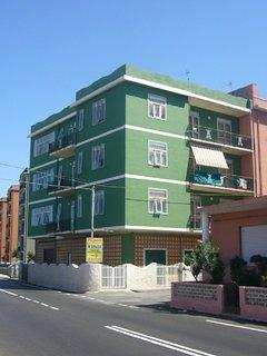 L'appartamento è al terzo piano panoramico della palazzina fronte mare