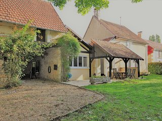 2 bedroom Villa in Perrecy-les-Forges, Bourgogne-Franche-Comte, France : ref 558