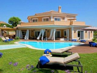 5 bedroom Villa in Quinta do Lago, Faro, Portugal : ref 5480345