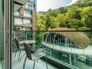 Luxury studio in Patong with pool, gym and shuttle to beach and mall!!! 421