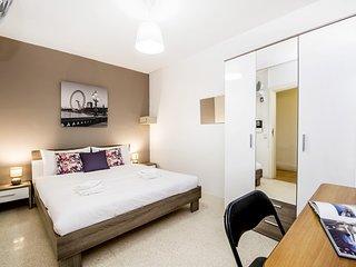 Colorido y encantador apartamento, 2 habitaciones.