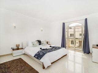 Adorable habitación con balcón privado!