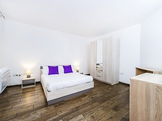 Encantador y espacioso dormitorio con baño- Sliema