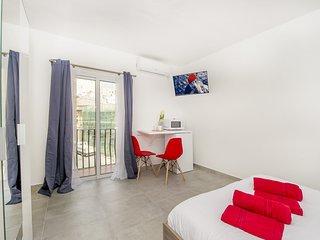 Sliema. Genial estudio con balcón privado y excelente vibra