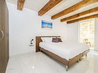 Sliema, acogedor dormitorio con balcón privado