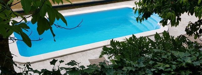 Relax in pool