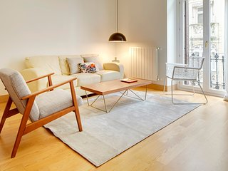 Easo Suite 8 by FeelFree Rentals