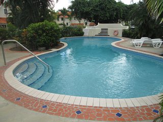 Admiral Quay - walking distance to the beach and restaurants of Rodney Bay