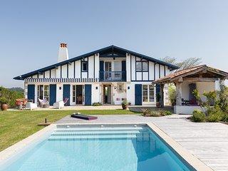 Belle maison basque avec piscine près de Guéthary