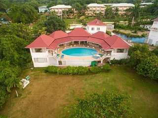 Exodus Retreat can be rented as a 3,4,5 & 6 bedroom Villa