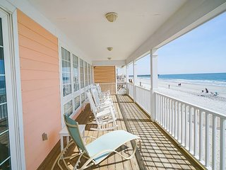 **ALL-INCLUSIVE RATES** Beach Retreat - Oceanfront & Pet Friendly