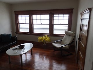 Summer sublet - beautiful and safe East Rock neighbourhood