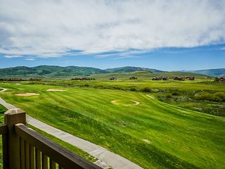 Family Home on Golf Course - Mins to Granby Ranch!