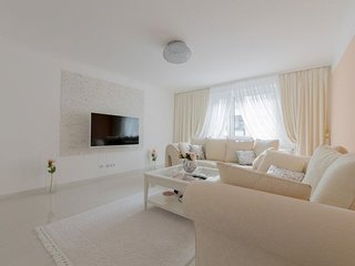Apartment 907 m from the center of Hanover with Internet, Parking, Balcony, Wash