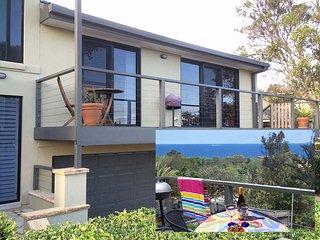 Avalon Seashells - 2 bedroom apartment with pool near beach and village