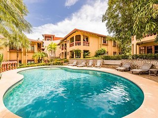 Light & Breezy Newly Remodeled Casa Om – Pool-Front w/ Ocean Views