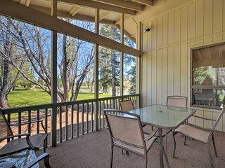 Flagstaff Townhome w/ Pool Access on Golf Course!