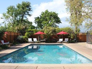 Carneros Vista Ranch - Gated Farmhouse Estate on 3 Acres near Sonoma Plaza