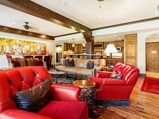Ski-in/ski-out condo in Beaver Creek village - Creekside at The Charter