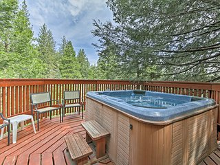 Ideal Cabin w/ Hot Tub & Lake Arrowhead Passes!