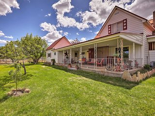 NEW! Escalante Cottage w/ Panoramic Mountain Views