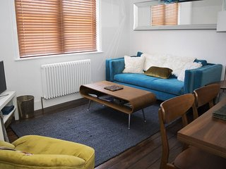 Modern, Renovated 1BR Home Near Elephant & Castle