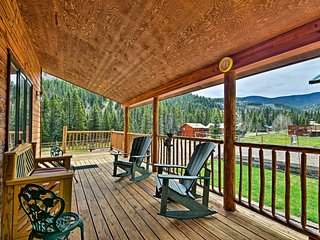 NEW! Cabin Home w/ Mtn Views Steps From Red River