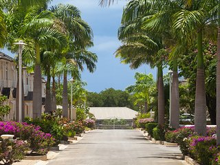 5 Battaleys Mews - Luxury 3 bedroom house 550m from Mullins Beach