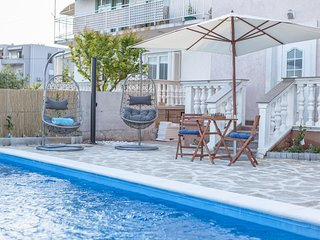 Apartments Nikol - One Bedroom Apartment with Balcony and Sea View