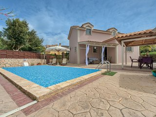Villa Adrianna 3-bedroom villa with private pool