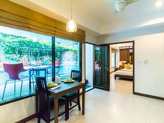 Tropical Garden View Apartment with Pool Access