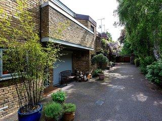 Veeve - Quiet Mews next to Hampstead Heath