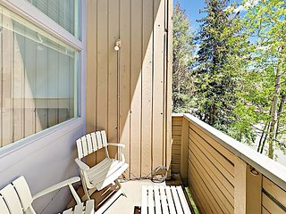 2BR Condo Overlooking Vail Resort – On Free Bus Route to Vail Village