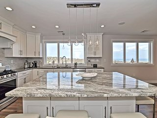Diamond in the Sky: Upscale townhouse near Good Harbor Beach.