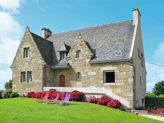 4 bedroom Villa in Cléder, Brittany, France : ref 5438062